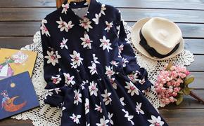超美花朵连衣裙特卖,优质雪纺,花朵图案增加甜美气质;修身显瘦,单穿或打底都是很不错的一款!